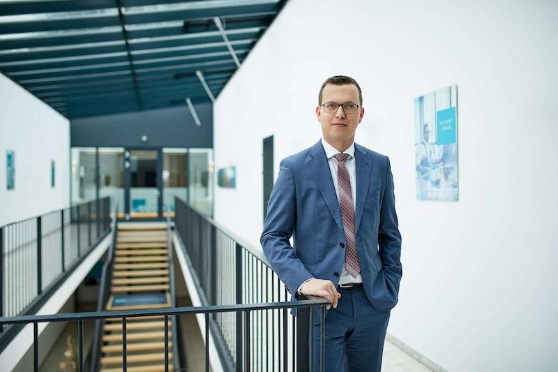 Partner-Portrait Mag. Roman Simmer der Uniconsult Steuerberatung in Linz, Peuerbach, Ried im Innkreis