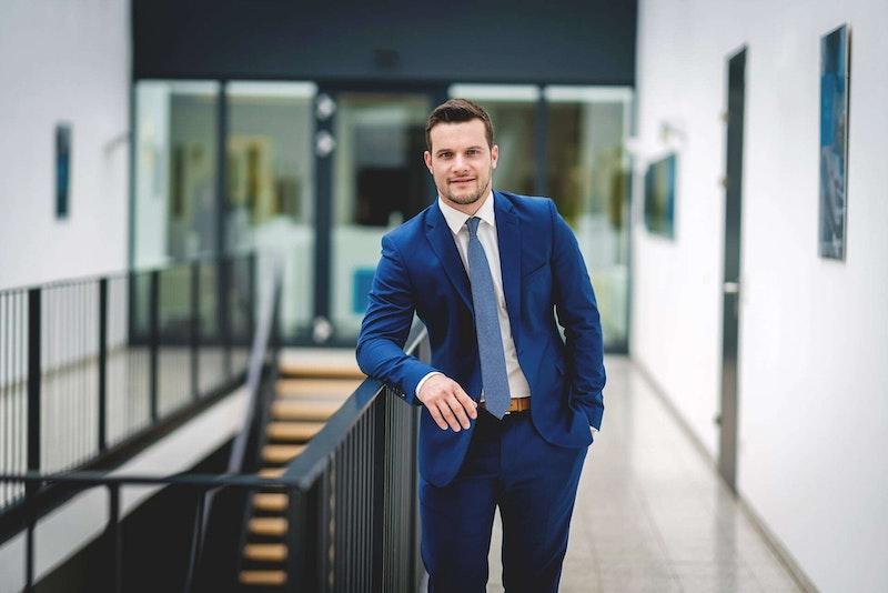 Partner-Portrait Lukas Schönbauer LL.M. der Uniconsult Steuerberatung in Linz, Peuerbach, Ried im Innkreis